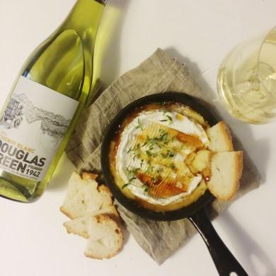 Douglas Green Chenin Blanc ja paistettu camembert